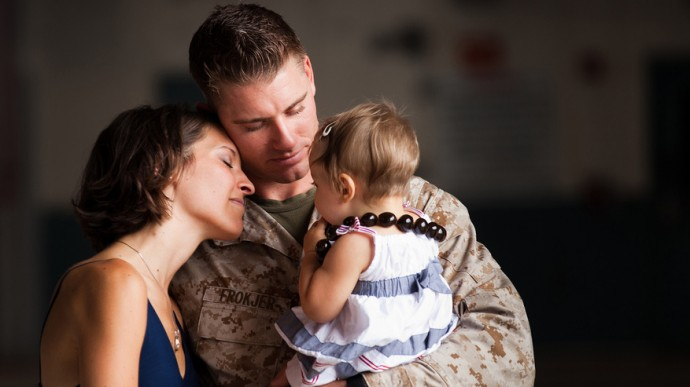 military-families-reunite-690x387