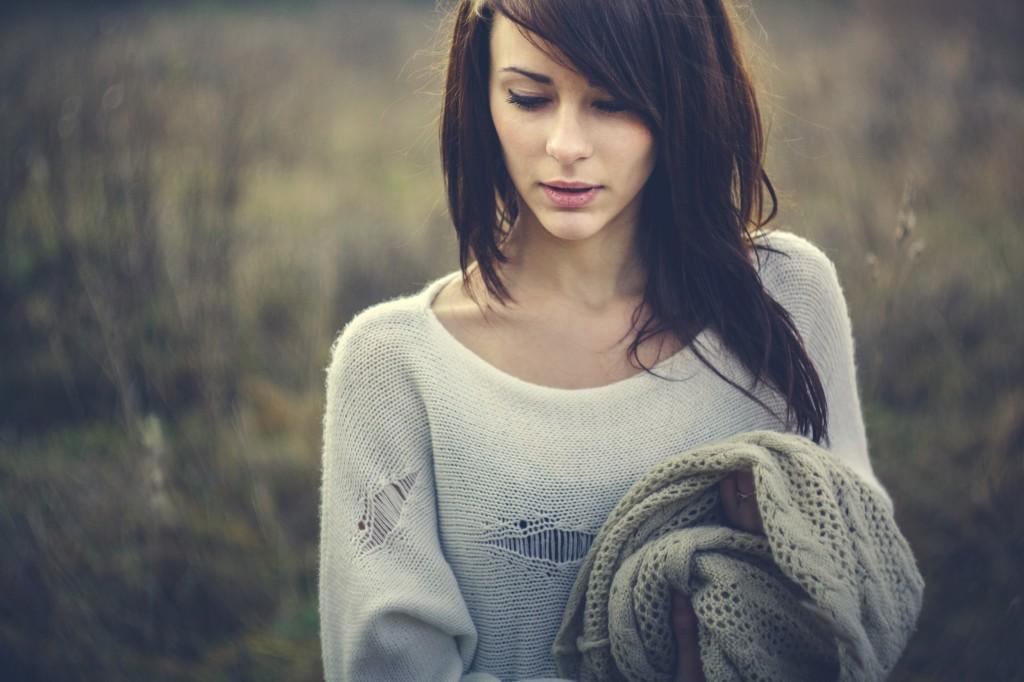 Beautiful girl freezing outdoor, autumn