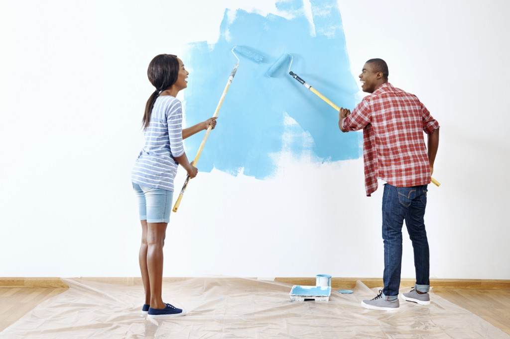 painting house couple