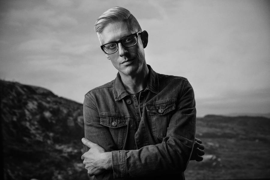 Official artist photo of Matt Maher